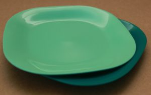 Пластмасова чиния плитка квадрат голяма Него ООД